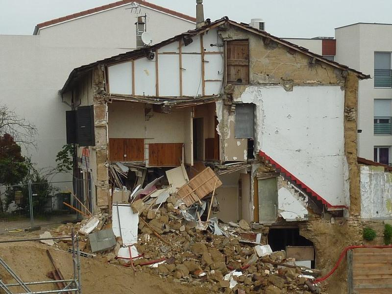 Gable end collapsing.